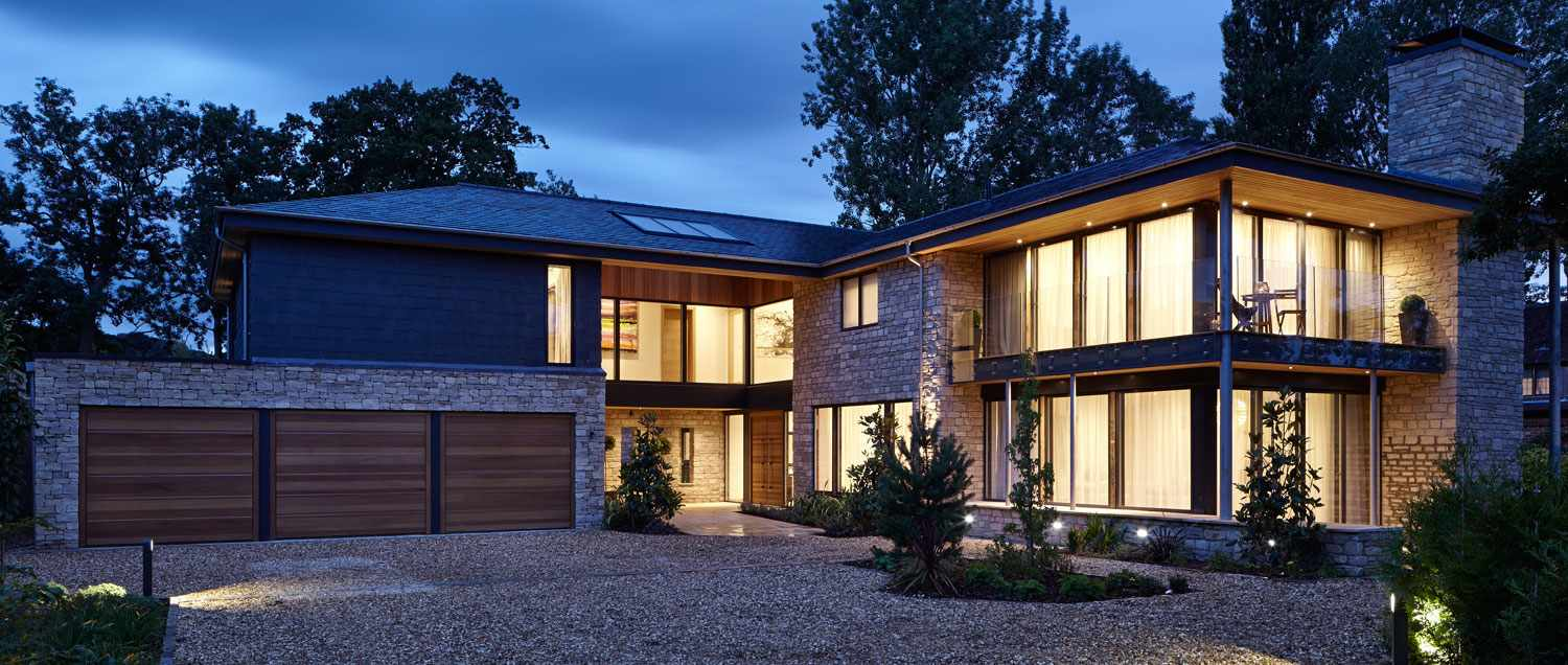 Brand new 5 bed home Cheltenham at night