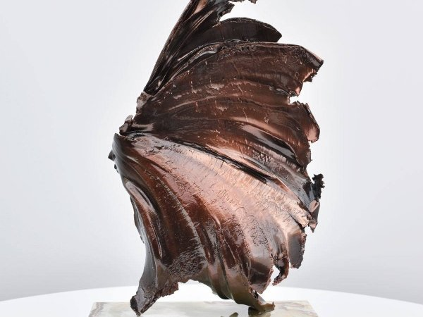 hoi-polloi-bronze-coloured-sculpture-2