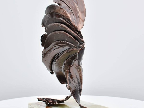 dark-bronze-sculpture-1