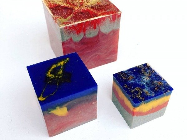 cast-resin-cubes