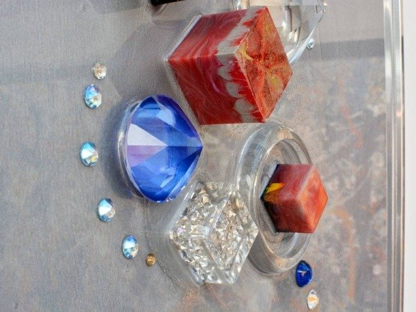red and blue resin blocks