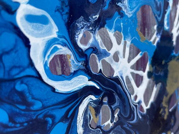 details of light blue and dark blue paint